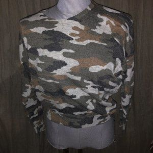 Urban Outfitters Millau Camouflage sweater S